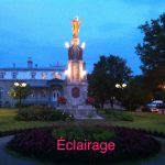 Éclairage d'une statue le soir-Éclairage intérieur et extérieur à Saint-Augustin-de-Desmaures - Marois Electricien Québec
